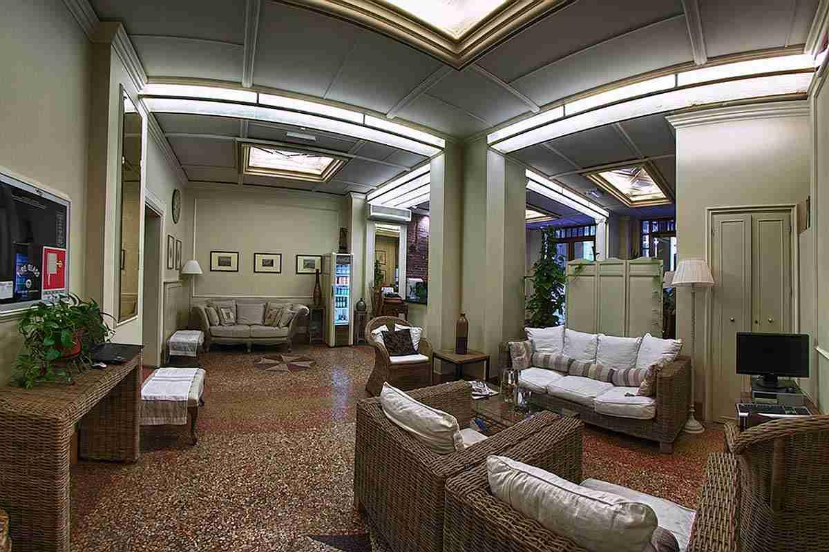 Hotel stazione bologna for Bologna hotel stazione centrale
