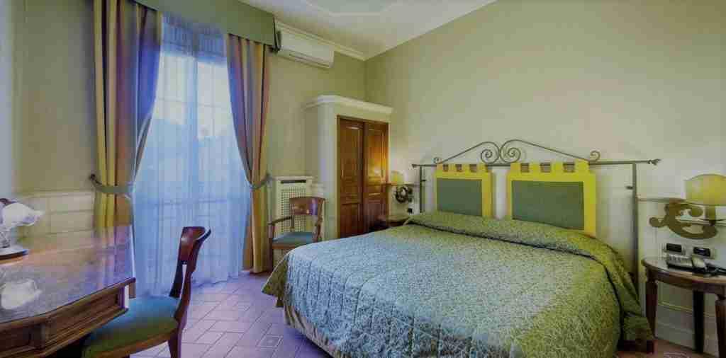 albergo vicino Rizzoli